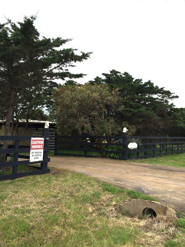 Entrance-to-Horse-Training-venue